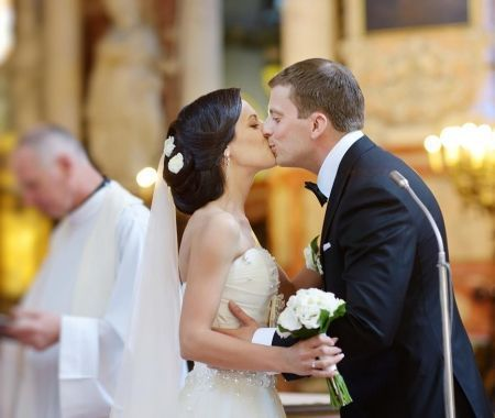 StJohnsCathedral-Accommodation-Wedding-2